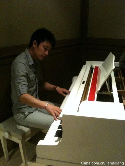 石进 夜的钢琴曲